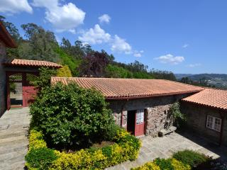 Comfortable 4 bedroom Guimaraes House with Internet Access - Guimaraes vacation rentals