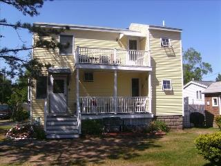 3 bedroom cottage near ocean - booking fall 700/wk - Southern Coast vacation rentals