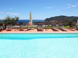 Villa il Poggiolo - ViP Suite apartment - Pool - Diano Marina vacation rentals