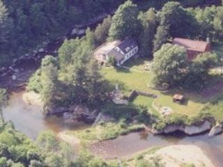 Sugarbush, VT Mad River Farmhouse-Sleeps 10+ - Waitsfield vacation rentals