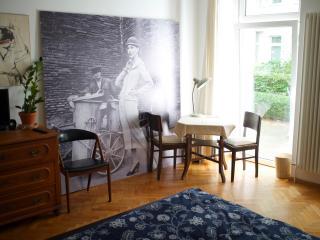Lovely flat with garden terrace - Berlin vacation rentals