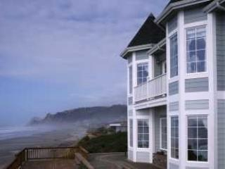 Beautiful Oceanfront Victorian in Lincoln City, Or - Lincoln City vacation rentals
