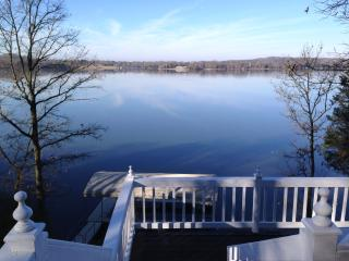 Wonderful cabin on Old Hickory Lake Boat Dock  WOW - Gallatin vacation rentals
