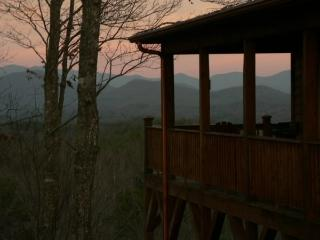 Luxury SMOKEY MOUNTAIN CHALET - Murphy vacation rentals