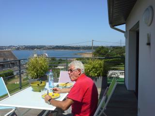 maison neuve vue mer rade de brest - Brest vacation rentals