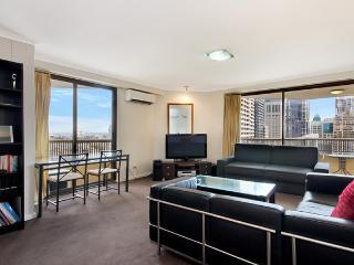 1405. Hyde Park Top Floor City Apartment - Sydney vacation rentals