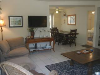 Balboa Island Getaway-Easy Access to Bay & Ocean - Newport Beach vacation rentals
