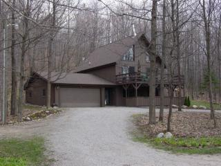 Private 170 Acres - Golf - Snowmobile - Ski - ATVs - Grayling vacation rentals
