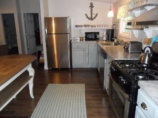 Geneva-On-The-Lake House Rental, Sleeps 8, Hot Tub - Geneva vacation rentals