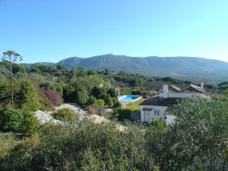 Nice Farmhouse Barn with Internet Access and Satellite Or Cable TV - Vila Nogueira de Azeitao vacation rentals