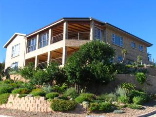 Nice House with Dishwasher and Local Guides - Great Brak River vacation rentals