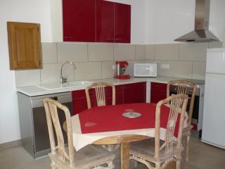 Cozy 2 bedroom Gite in Monteux - Monteux vacation rentals