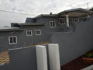 Cozy 3 bedroom Villa in Accra with Internet Access - Accra vacation rentals
