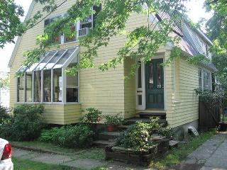 SUNNY, 3 BR 3 BATH HOUSE 9 MINUTE WALK TO HARVARD - Cambridge vacation rentals