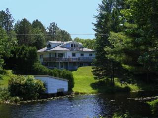 Waterfront Lake Views! MQT Munising Snowmobile Ski - Marquette vacation rentals