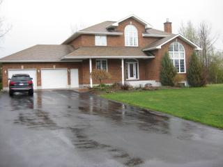 Fully Furnished Whole House 6 bedrooms 4 bathrms - Gatineau vacation rentals