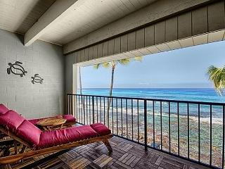KONA OCEANFRONT PENTHOUSE CONDO - AMAZING SUNSETS - Big Island Hawaii vacation rentals