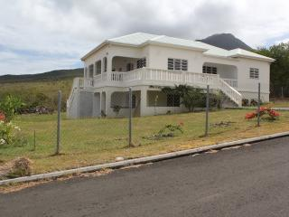 Villa Benito, Pinneys, Nevis 3 mins to golf course - Charlestown vacation rentals