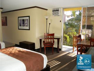 Deluxe Studio Courtyard at Bamboo w/full kitchen - Waikiki vacation rentals