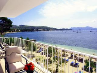 Vora Mar on Pinewalk direct access to the beach - Port de Pollenca vacation rentals