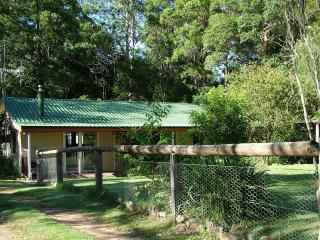 Bower Reteat Cottage - Dungog vacation rentals