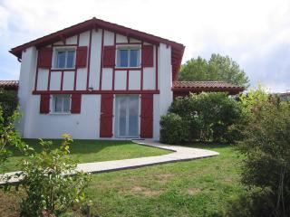 VILLAS d'HARRI-XURIA villa 3 MENDIA - Bayonne vacation rentals