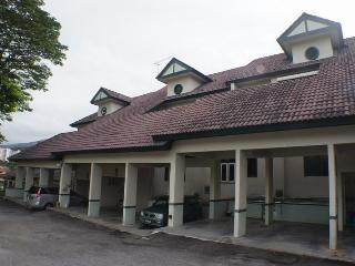 Townhouse in Tanjung Bungah, Penang, Malaysia - Tanjong Bungah, Pinang vacation rentals