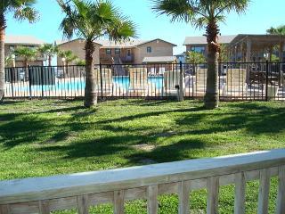 2 bedroom 2 bath condo at Sea Isle Village, community pool and beach access! - Port Aransas vacation rentals