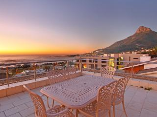Tasteful Tranquility:Heated pool,walk to beach - Camps Bay vacation rentals
