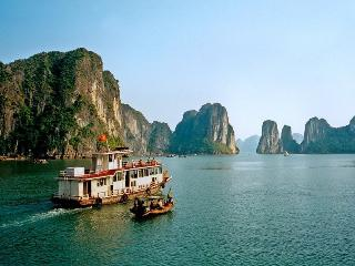 Ha Long Deluxe Cruise - Halong Bay vacation rentals