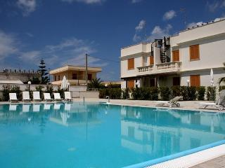 Apartment with pool for rent in Puglia - SA154 - Santa Maria al Bagno vacation rentals
