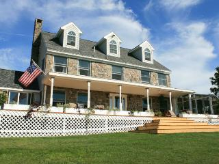 Nice House with Deck and Internet Access - West Paris vacation rentals