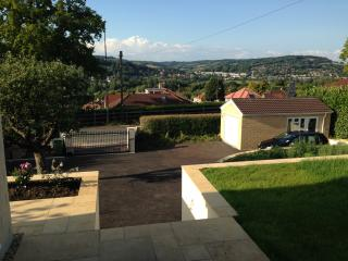 Beautiful Condo with Internet Access and Satellite Or Cable TV - Bathampton vacation rentals