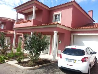 3 bedroom House with Internet Access in Alfeizerao - Alfeizerao vacation rentals