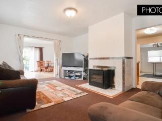 5 Bed 3Bath w/ Balcony House Near Downtown SEA - Seattle vacation rentals