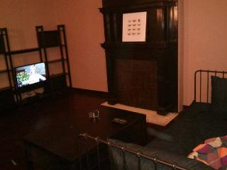 East End 1st Floor 1 BR Apt on Bus Line - Pittsburgh vacation rentals