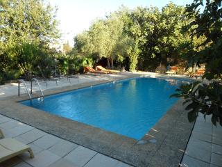 L A  MANDARINE - Orange vacation rentals