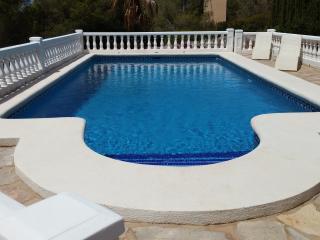 Sunny 2 bedroom Villa in Denia with Internet Access - Denia vacation rentals