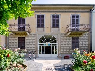 Nice 1 bedroom Guest house in Nizza Monferrato - Nizza Monferrato vacation rentals