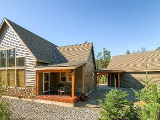 Picturesque Cabin, Pool Access, Near Lake Cle Elum | Suncadia, FREE NIGHTS! - Cle Elum vacation rentals