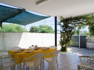 3 bedroom Villa with A/C in Punta Prosciutto - Punta Prosciutto vacation rentals