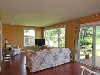 3 bedroom Cottage with Deck in Peterborough - Peterborough vacation rentals