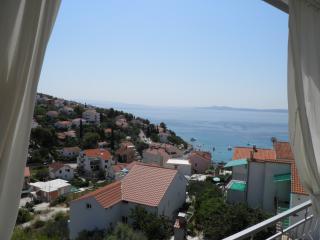 A2.1. Nice family 2 bedroom apt - Villa Horizont - Okrug Gornji vacation rentals