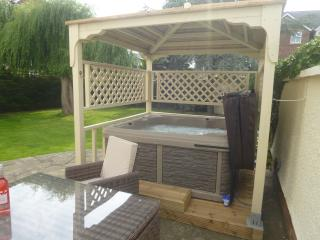 Luxury Garden Suite with Hot Tub, Rhuddlan, Wales - Rhyl vacation rentals