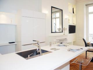 JEWELRY - Paris vacation rentals