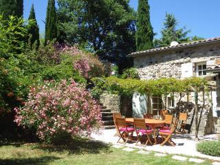 Ancienne bergerie restorée située en Ardèche - Chassiers vacation rentals