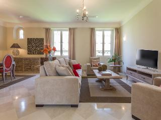 Puerta del Principe II - Luxury Apartment - Seville vacation rentals