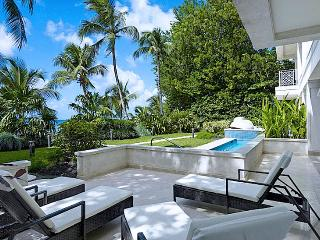 SPECIAL OFFER: Barbados Villa 201 Enjoy The Luxury Of This Special Spot On Paynes Bay Beach. - Saint James vacation rentals