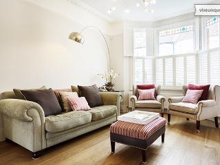 Beautiful 4 Bed Victorian Home - Esmond road, Queens Park - London vacation rentals