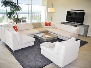 Gorgeous 3 bedroom Naples House with Fitness Room - Naples vacation rentals